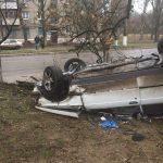 В первый день Нового года в Горловке разбился автомобиль