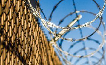 Военный трибунал ДНР приговорил двух горловчан к 18 и 22 годам лишения свободы за шпионаж