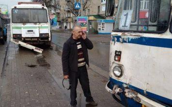 В центре Горловки столкнулись два автобуса