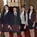 В школах ДНР введут обязательную школьную форму с 2019 года
