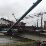 Мост в Приамурье рухнул во время проезда грузовика весом более 44 тонн