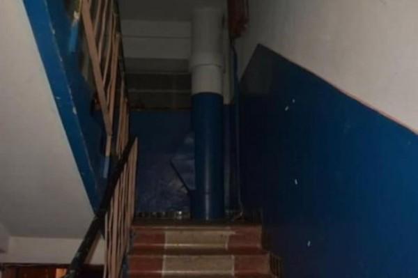 Для чего красили по бокам лестницу в домах советской эпохи