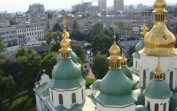 Киев определился с выбором будущего главы автокефальной церкви, пишут СМИ