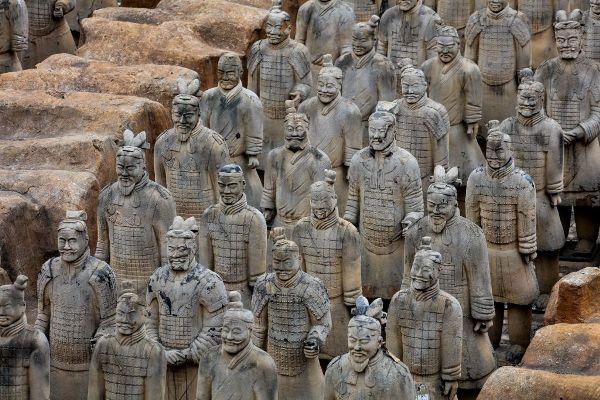 Археологи нашли в Китае мини-версию легендарной Терракотовой армии