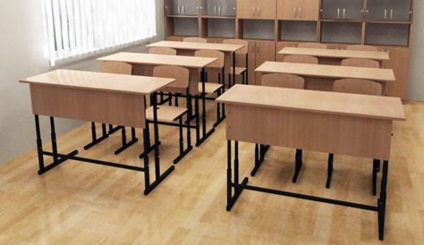 Учительница, унизившая школьницу из-за дырки на кофте, уволилась