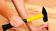 Как устранить причину скрипа деревянного пола
