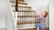 Какая лестница опасна для дома с маленькими детьми