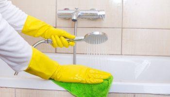 Чем лучше убирать ржавчину с эмали сантехники