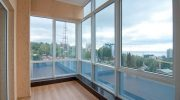 Остекление балконов и лоджий: виды, особенности, характеристики