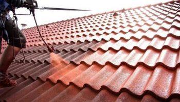 Стоит ли красить шиферную крышу?