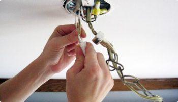Почему нежелательно подключать люстру с 3 проводами к 2 проводам