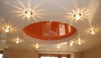 Как установить освещение в натяжной потолок и не прожечь полотно