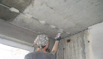 10 советов от опытных мастеров как быстро сделать потолок идеально ровным