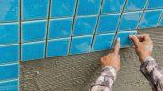 Почему для плитки в бассейн не подойдет обычный клей