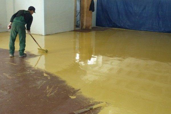 как покрасить бетон видео