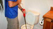 7 предметов которые категорически нельзя бросать в туалет