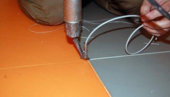 Почему специалисты советуют проваривать швы линолеума