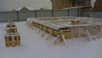 Как правильно заливать цемент на улице в холодное время года