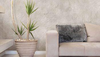 Зачем красят стены веником и как это сделать правильно