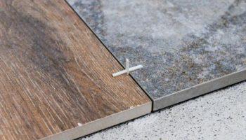 Почему для укладки плитки выбирают самые узкие крестики для швов