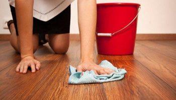 Как легко оттереть пятна масляной краски с пола