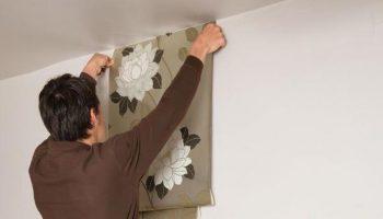 Можно ли клеить обои на покрашенные стены, если не хочется возиться со снятием краски