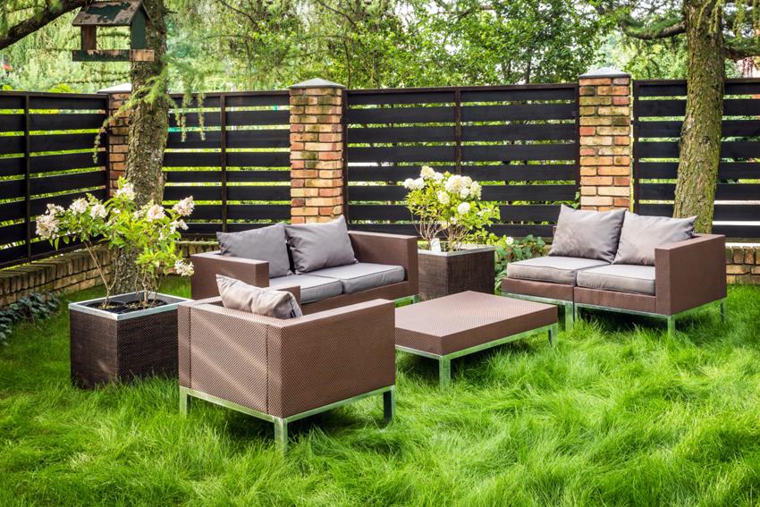 Коротко о садовой мебели
