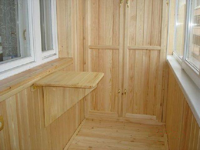 Пластиковая или деревянная вагонка для балкона