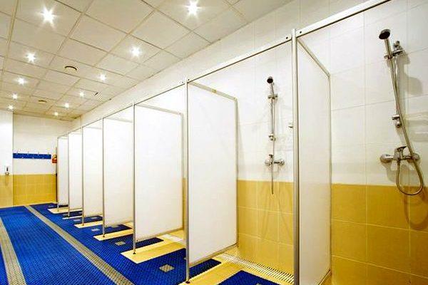 Какими системами вентиляции оборудуются санитарно-бытовые помещения