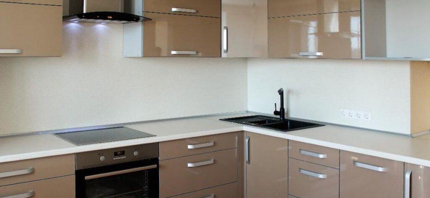 Кухонные гарнитуры из пластика